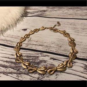 Vintage Trifari Gold Tone Bow Choker Necklace